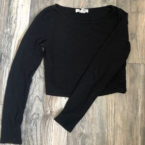 Black fitted long sleeved crop
